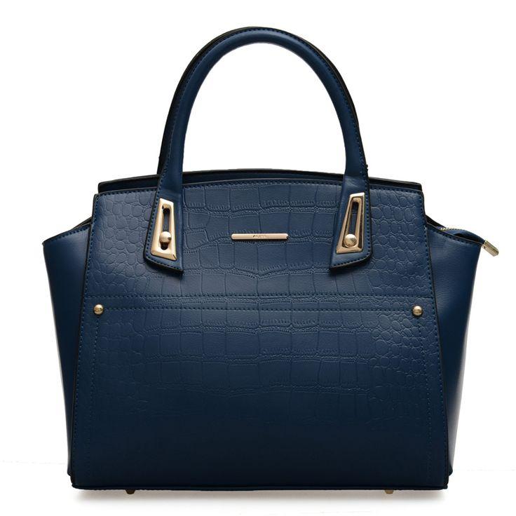 Se cerchi una borsa di qualità con lo stesso design di borse firmate ma che costi meno e che non sia una copia tarocca ma abbia la sua personalità allora sei nel posto giusto, queste borse hanno tutto quello che le borse devono avere , qualità colori , forme , [...]