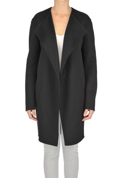 Buy Céline Coats on glamest.com Fashion Outlet, select the Céline Wool cloth coat of your choice up to 50% off.