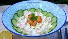 """low carb Garnelensalat mit Mayonnaise... und noch eine Eiweißbombe für """"low carb"""" Sportler :-) Salat passt eigentlich jeder dazu. Hier habe ich Eisbergsalat und Salatgurke verwendet. Rezept.... #lowcarb #food #Rezepte #abnehmen #schlankmitverstand"""