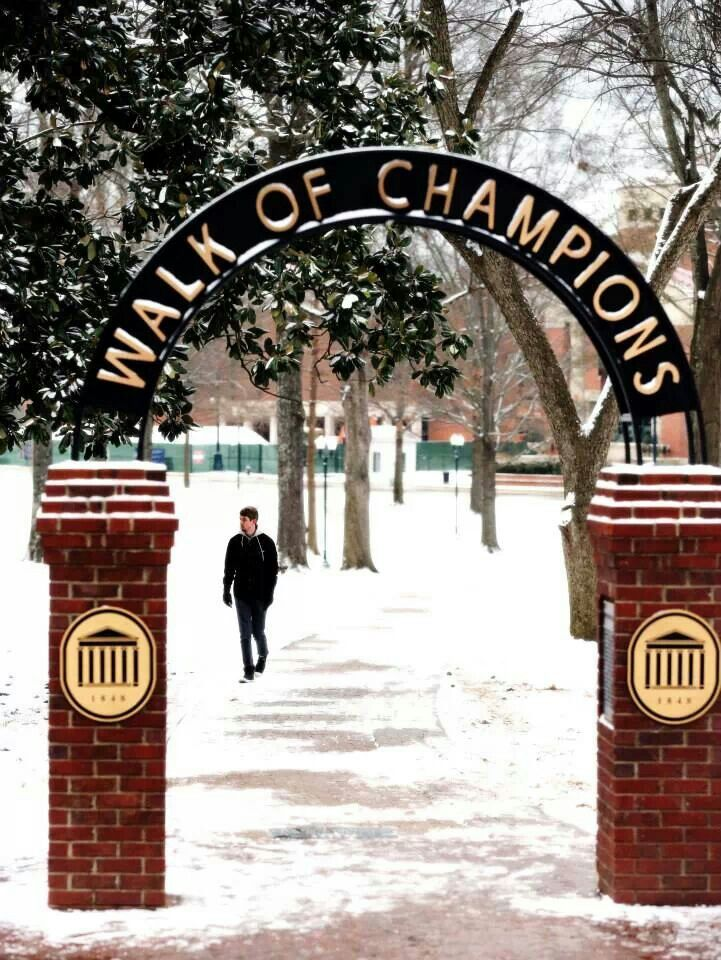 Snow day at Ole Miss Is this the South? Love The Grove at Ole Miss. Add a tailgate In The Grove to your wish list
