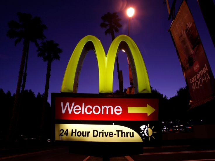 Drunk people around the world understand that nothing pairs with late-night boozing quite like greasy fries and a burger. McDonald's understands this and provides accordingly with its late-night menu, but what the global franchise doesn't want is to deal with the... #'Calm', #Customers, #Drunk, #McDonald'S, #Music, #Uses How McDonald's uses music to calm drunk customers  http://richcontent.xyz/how-mcdonalds-uses-music-to-calm-drunk-customers/