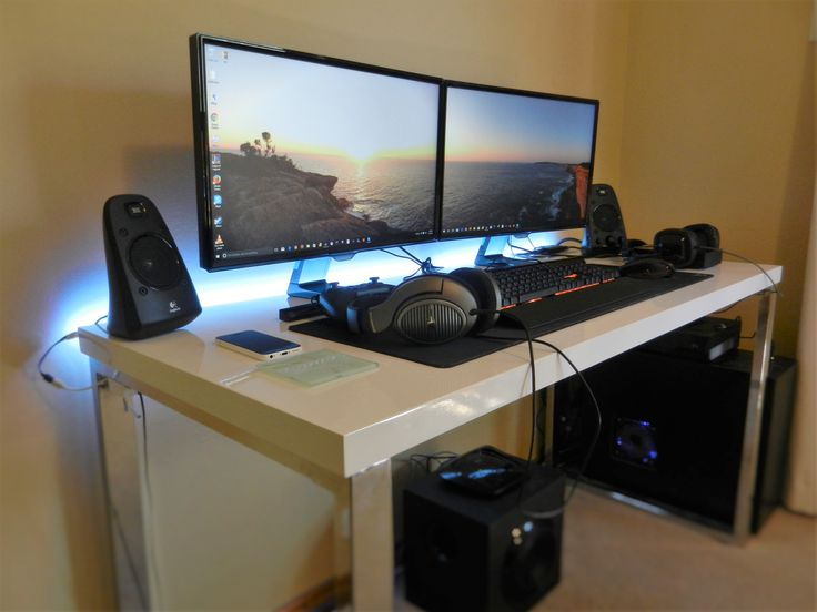 1000 id es sur le th me pc bureau gamer sur pinterest. Black Bedroom Furniture Sets. Home Design Ideas