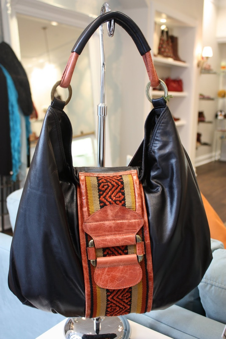Another leather handbag from Limon Piel with Colombian handwoven trim.