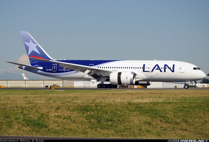 LAN Airlines CC-BBA Boeing 787-816 Dreamliner aircraft picture