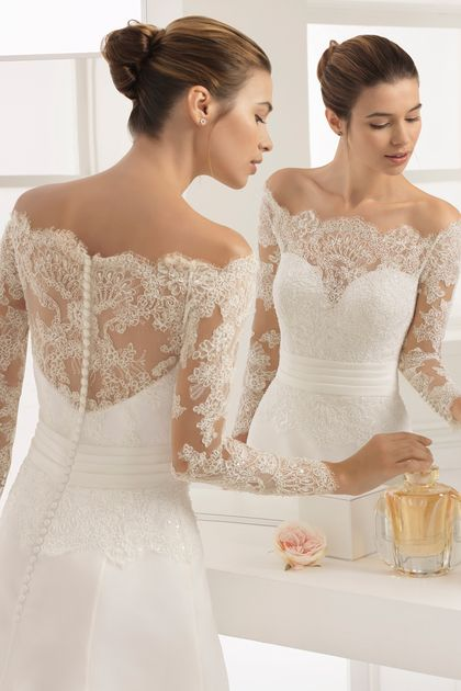 2019 Off The Shoulder Long Sleeves Organza With Applique Wedding Dresses Sweep Train US$ 269.00 LCP3Y4Q4HH