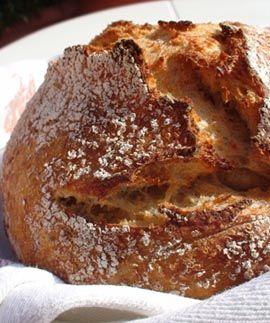 Niet nad pocit, keď vám do nosa udrie vôňa čerstvého chleba. Nečakajte na pekáreň, upečte si ho doma!