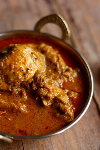 For the love of food!: Naadan Kozhi Curry a.k.a Traditional Kerala Chicken Curry