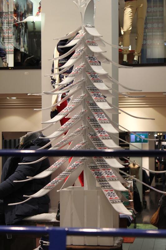 Tommy Hilfiger - skis store - Barcelona - Nov.  2012  via TheWindowLover