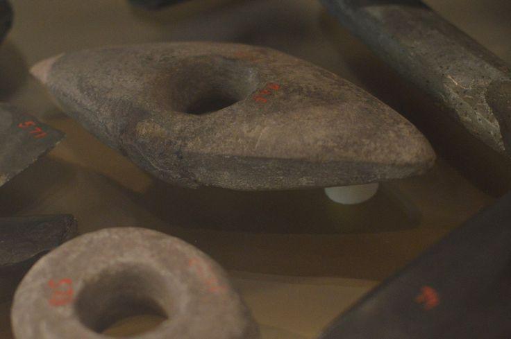 Paulaharju ei kerännyt muinaisjäännöksiä, mutta keruumatkoiltaan hän toimitti eri museoiden kokoelmiin jonkin verran kivikautisia esineitä. Luuppi, Oulu (Finland)