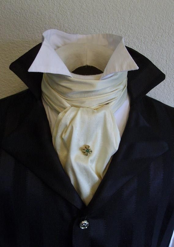 Fantastic costume inspiration.[Headless Horseman] Regency cravat, long and of uniform length with squared ends. Wear them with cravat pins to anchor the style. Can also be worn in a bow.