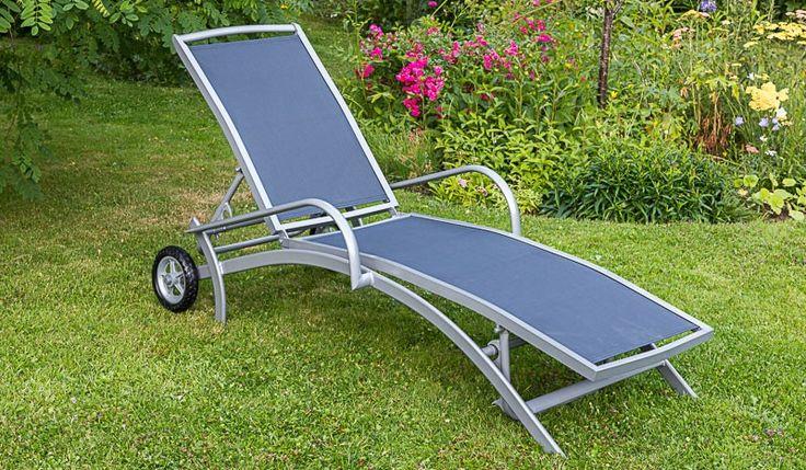 Der Garten Liegestuhl Porto ist in den Farben Marineblau, Taupe und Schwarz erhältlich. Mit der Gartenliege holen Sie sich ein Platz zum relaxen und genießen. Die Sonnenliege ist in den Maßen ca. 194 x 159 x 31 cm verfügbar. Diese und weitere Gartenliegen finden Sie unter http://www.meingartenversand.de/gartenmoebel/gartenliegen.html