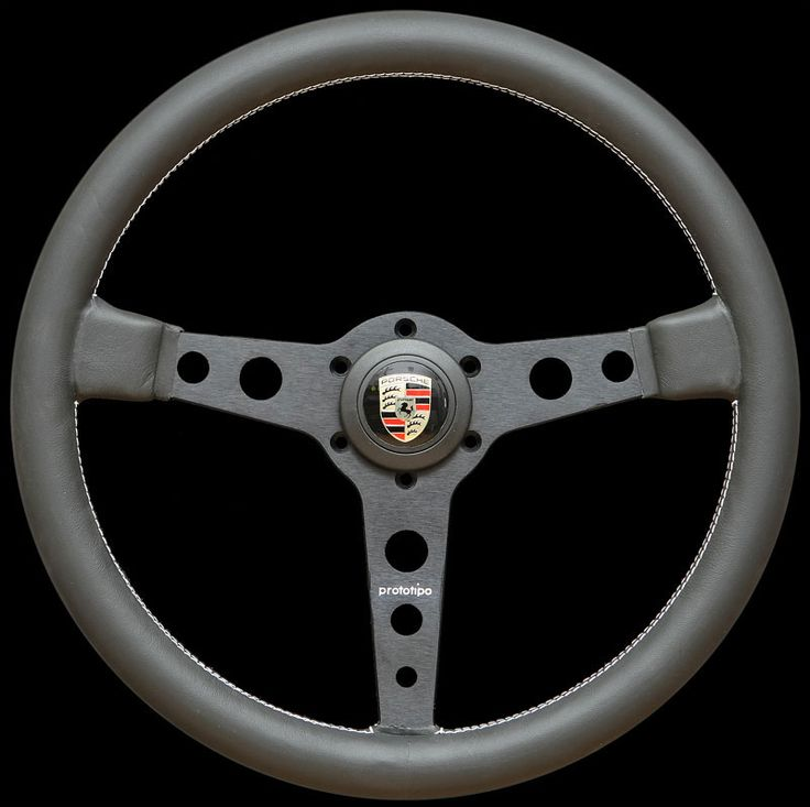 Momo Prototipo With Porsche Horn Button Porsche