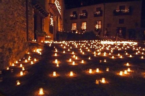 Pedraza y el concierto de las velas, cada verano en esta villa medieval.