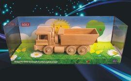 Dřevěné nákladní auto TATRA - sklopka se sklápí. Dárky pro děti k narozeninám. Dřevěná hračka česká výroba.