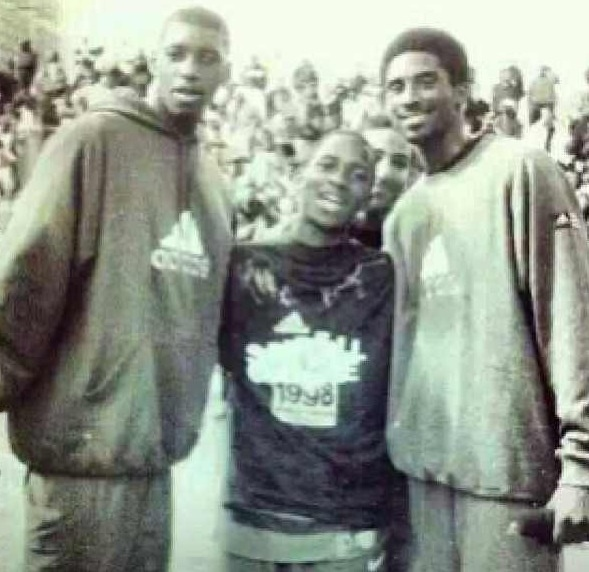 T-Mac on the left, Kobe on the right, and Dwight Howard before he hit his growth spurt in the middle.