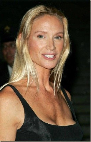 Kelly-Lynch-today_thumb.jpg (309×480)