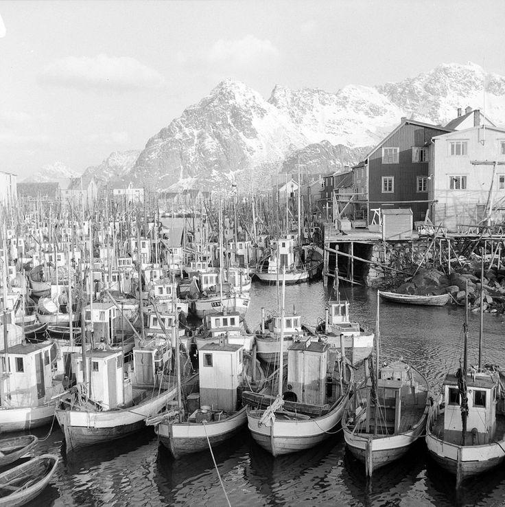 Kanstadsamlingen - NMF010005-03066 - Henningsvær - Wikipedia