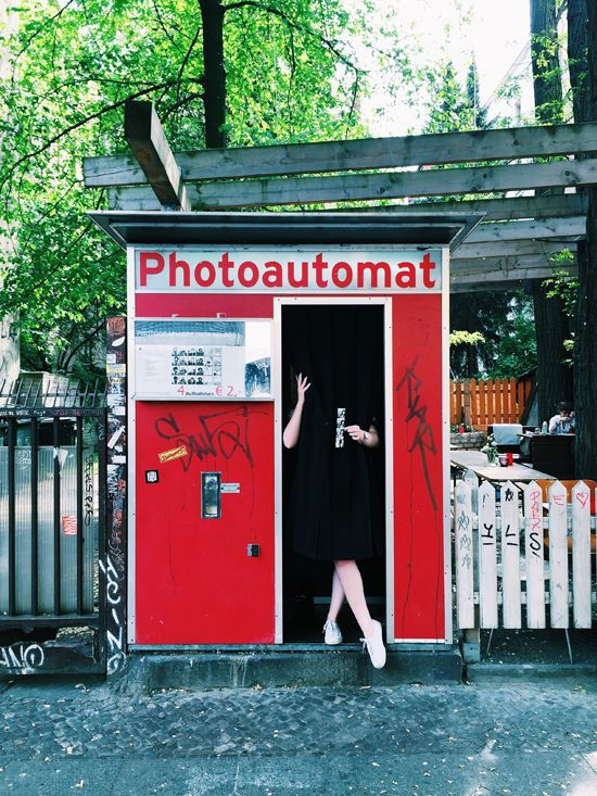 These are photobooths around berlin