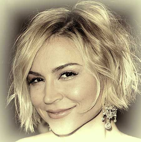 Very Cute and Charming Wavy Pixie Cut