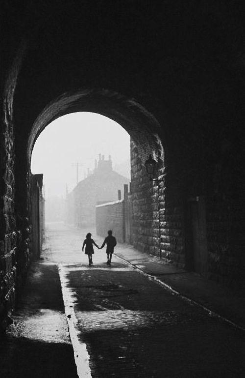 Glasgow 1948, Photo: Bert Hardy. ☚