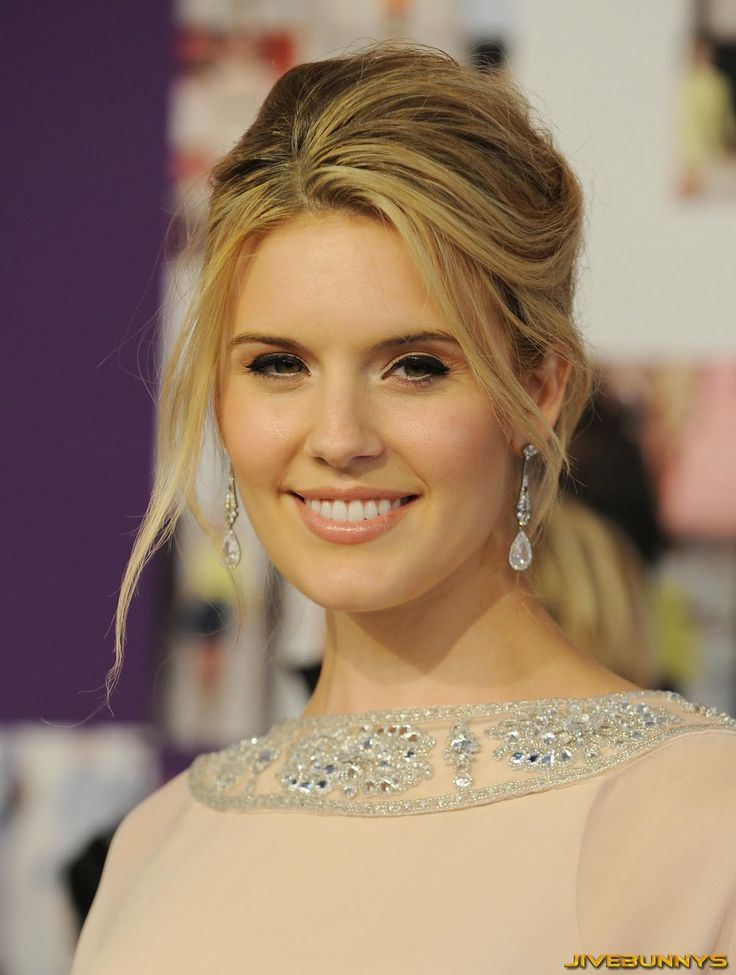 Maggie Grace as Jessamine Lovelace. We've seen her play snarky and snobbish before, and she does it quite well.
