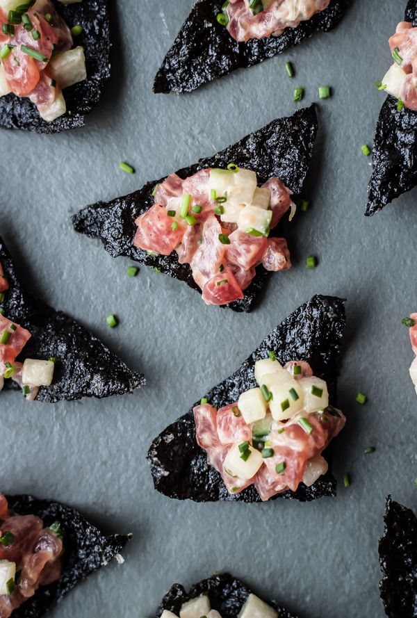 Tuna Tartare with Nori Chips. Crispy seaweed chips topped with fresh tuna tartare! A delicious Asian appetizer.