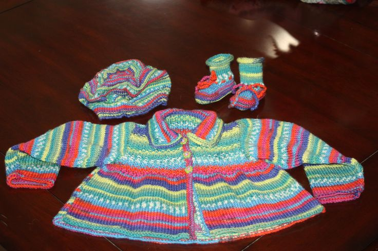Baby Girl Set.  Pill box hat, matching booties, sweater with collar.