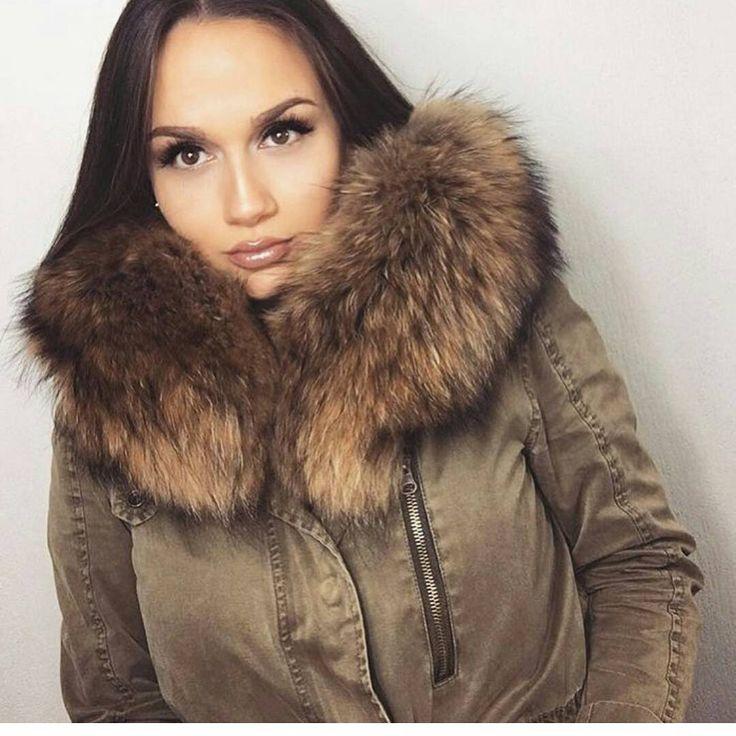 #modafeminina #pelliccia #mode #womensfashion #fashionwoman #lifestyle #luxus #ladyfur #welovefur #furfun #glamour #summerfur #nacht #all #over #london #reichundschön #lady #versace #furcoat #furjacket #furvest #furstyle #fashionstyle #winterfashion #russia #fashiononline #luxuryfur #luxurystyle #womaninfur
