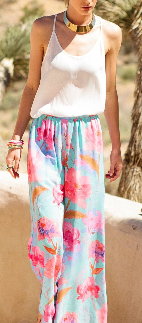 Floral palazzo plants...love the outfit without the necklace ;)