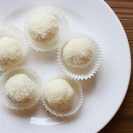 Kokosové kuličky podle Ivety Fabešové