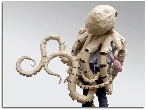Pulpo realizado con papel reciclado