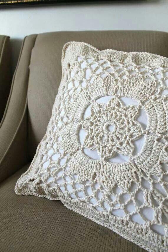 Cojín a crochet 1