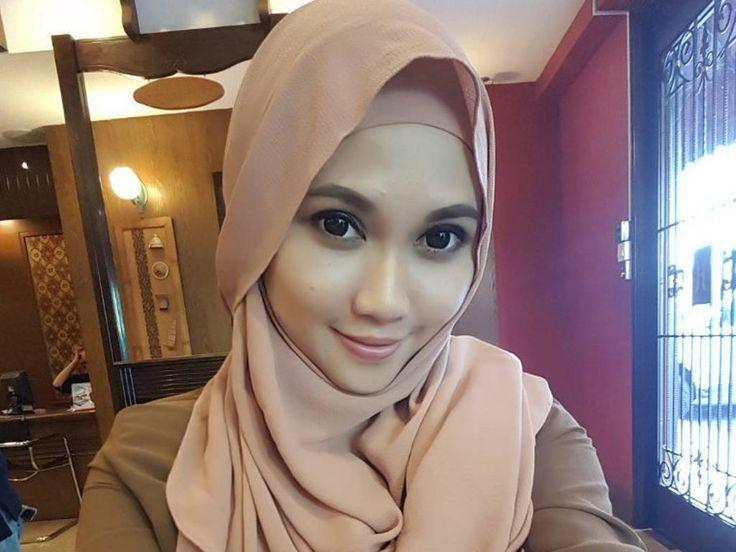 Cinema Online Brunei: News - Falisha Crossley berhijab selepas