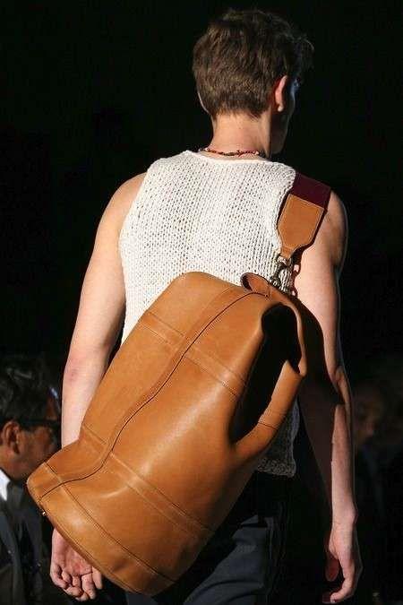 Borse a tracolla da uomo Primavera/Estate 2015 - Maxi bag a sacca con tracolla in cuoio Gucci