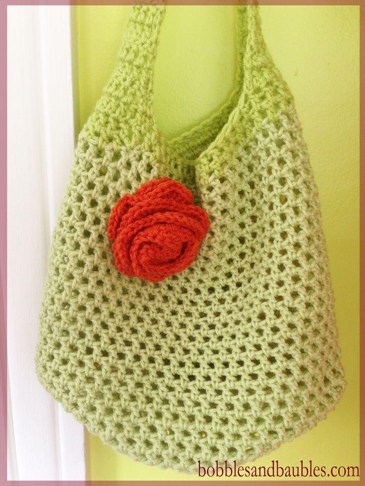 Market Bag with Floral Accent - free pattern - bobblesandbaubles.com ༺✿ƬⱤღ  https://www.pinterest.com/teretegui/✿༻
