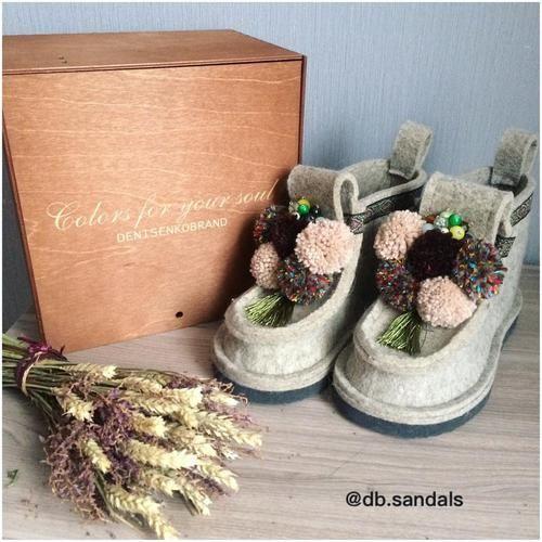 яркая женская летняя одежда и обувь в стиле casual