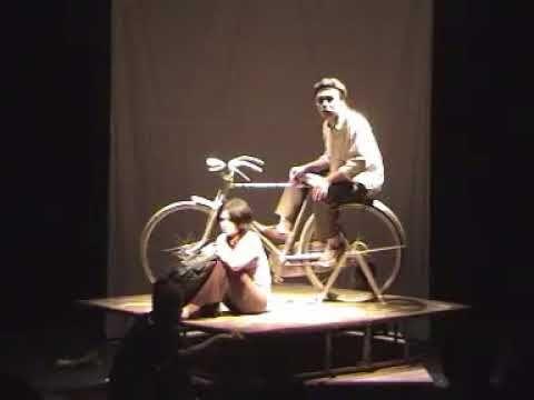 Pertunjukan Teater 'Ditunggu Dogot' di Tambud Solo Sutradara Kurniasih Z...