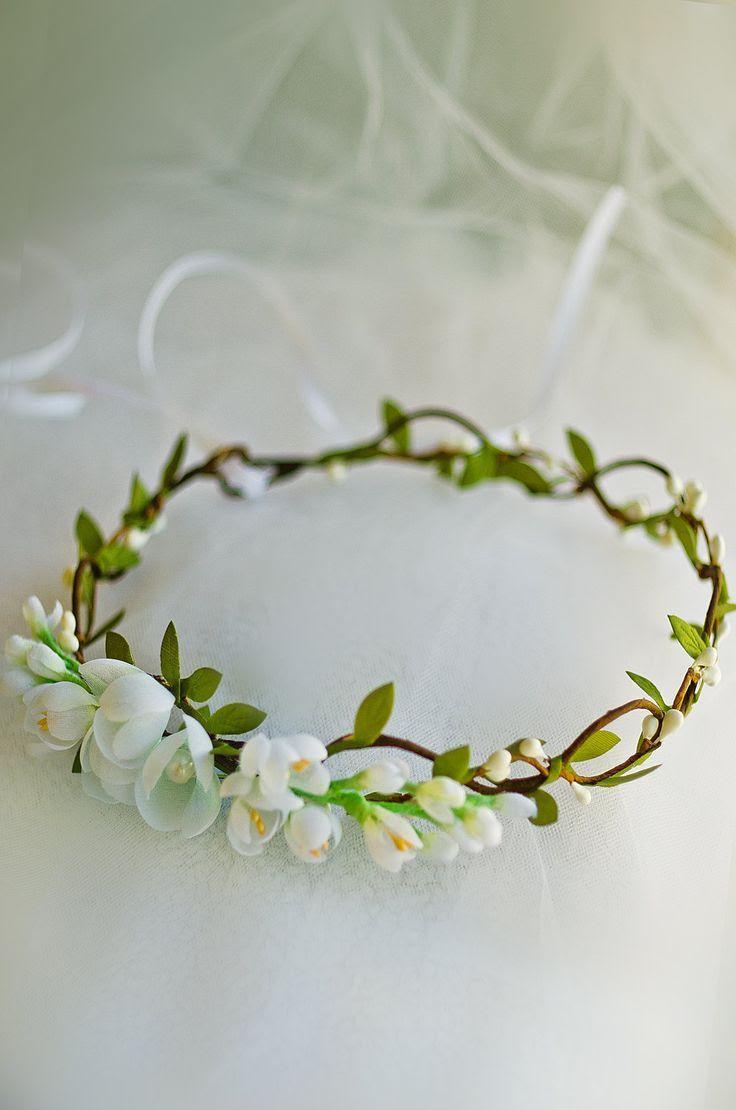 Freesia & twig crown