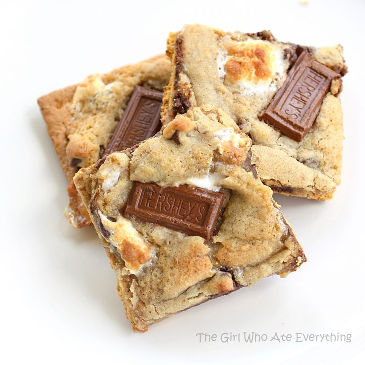 S'mores Cookies/Brownies: Health Desserts, Cookies Bar, Treats, Fun Recipe, S More Cookies, Smore Cookies, Eating, Yummy, Minis Marshmallows