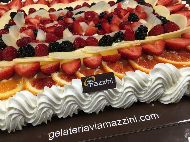 Torta con frutta fresca.