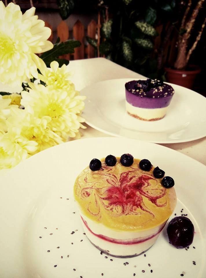 Gust de primăvară la Ma Cocotte! Întreabă-ne cu ce te îndulcim astăzi! Bistro Ma Cocotte. Brasov. #macocotte #rawinspiration #brasov #bistro #cuisine #dessert #yummy #sweet #raw #inspiration #healthy