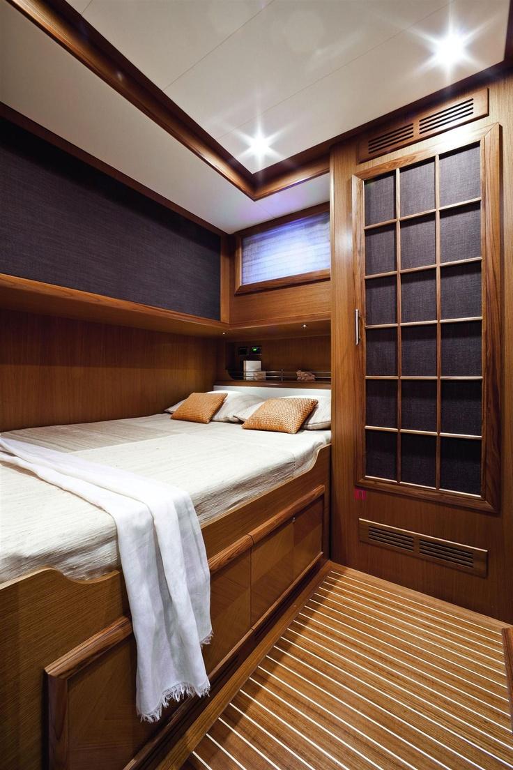 Internal view Mochi Craft - Dolphin 74' Cruiser #yacht #luxury #ferretti #mochi