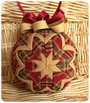 Quilted Christmas Ornament fabric red geen por OrnamentBoutique