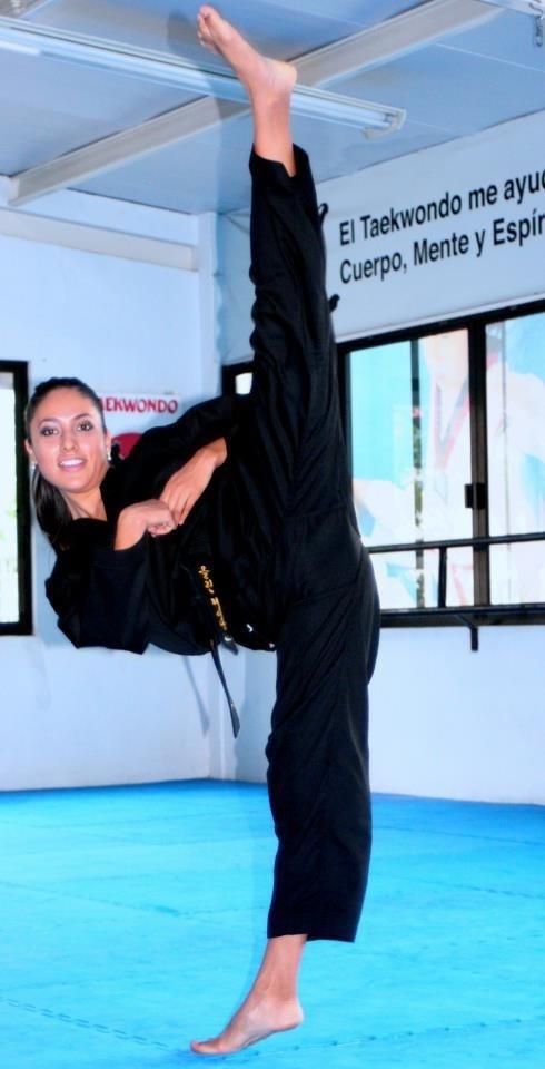 Split Kick | Flexible fighters female - www ...Kelsi Monroe Splits