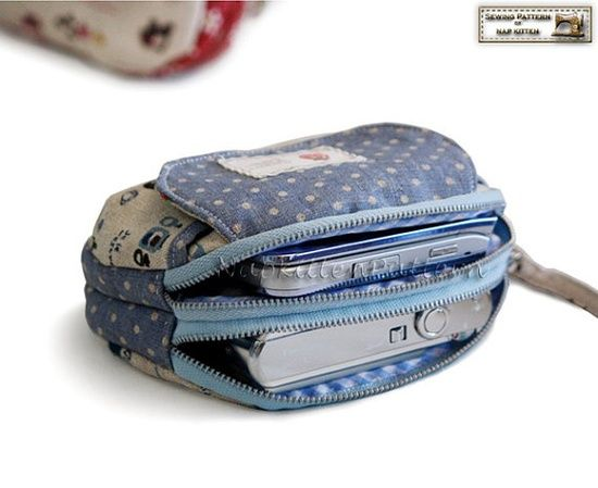 Mini clutch with Double zippers sewing pattern in PDF