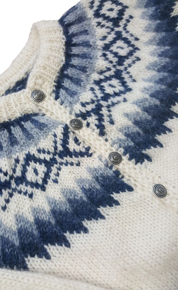 Beautiful traditional blue pattern - white wool sweater with buttons