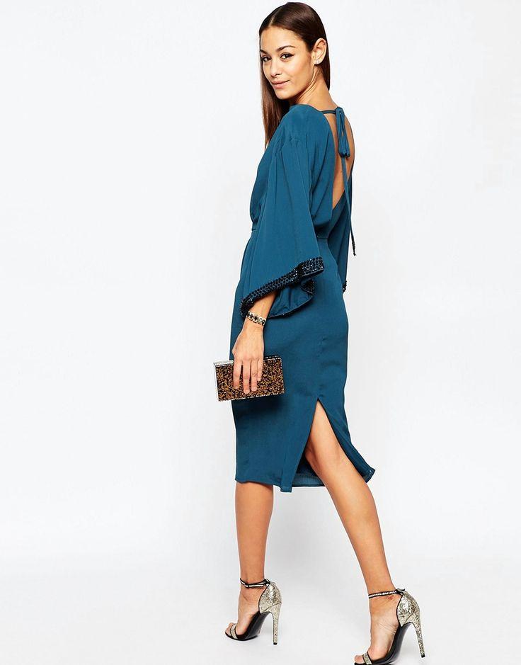 Imagen 4 de Vestido a media pierna estilo kimono con ribete adornado de ASOS 76€