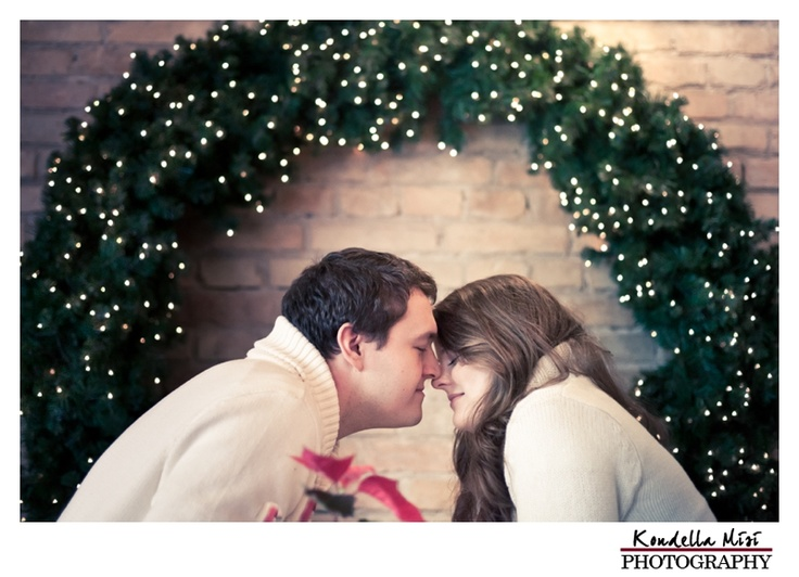 Budapest christmas xmas engagement love session photography