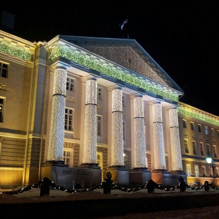 Tartu Ülikool, all dressed up for Christmas.