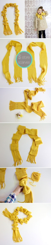 een sjaal bestaand uit twee dezelfde. Als je de foto's goed bekijkt zie je hoe het moet.  1 uiteinde van sj1 en sj2 aan elkaar naaien. Sliertjes knip je af(let op dat het niet gaat rafelen anders nog wat extra afwerken met naaimachine.   dan en sla een stukje dubbel, dit wordt de strik.    De strookjes die je hebt afgeknipt gebruik je om het midden van de strik te maken.